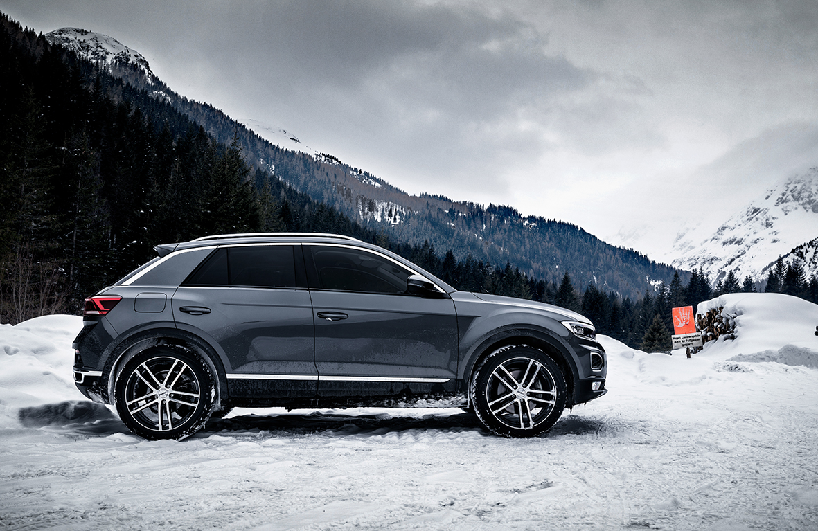 DEZENT TZ dark VW T-Roc_winterpic03
