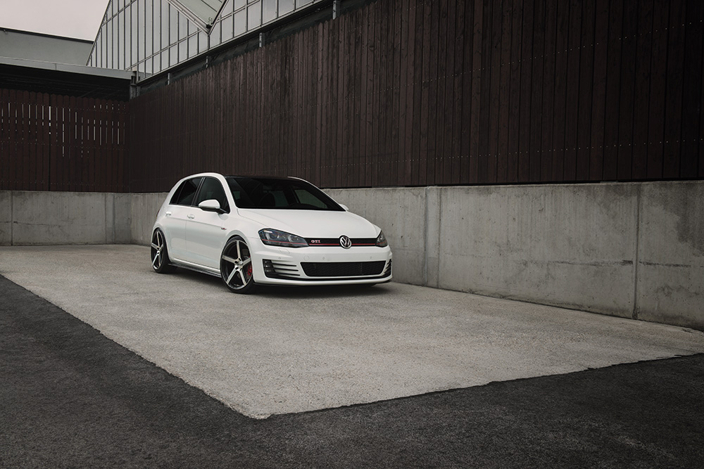 DOTZ CP5 dark_VW Golf 7 GTI_01
